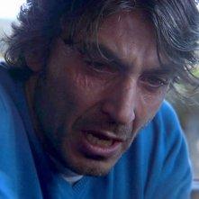 Sulla strada di casa: Daniele Liotti in una drammatica scena del film