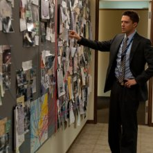 The Double: Topher Grace nei panni dell'agente Ben Geary in una scena del film