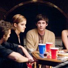 Emma Watson, Logan Lerman e Mae Whitman in una scena di The Perks of Being a Wallflower