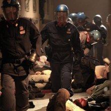 Diaz - Non pulire questo sangue: una drammatica ed evocativa scena di violenze tratta dal film