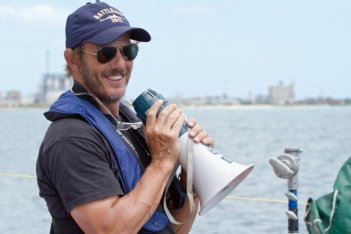 Il regista Peter Berg sul set di Battleship