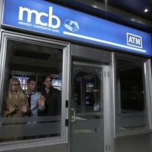 Alice Eve, Brian Geraghty e Josh Peck in un'inquietante immagine tratta dal film ATM - Trappola mortale