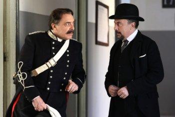 La scomparsa di Patò: Nino Frassica e Maurizio Casagrande in una scena del film
