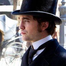 Bel Ami: Robert Pattinson in una scena del film interpreta Georges Duroy