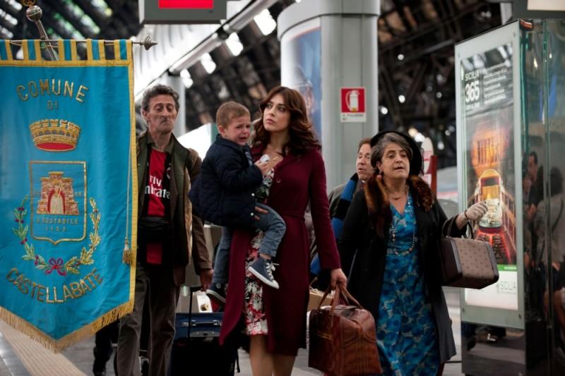 Benvenuti Al Nord Valentina Lodovini Insieme A Nando Paone E Nunzia Schiano In Una Scena Del Film 229805