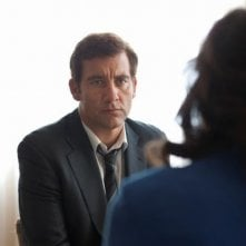 Clive Owen in una scena del thriller Shadow Dancer