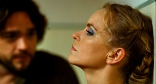 Barbara: Nina Hoss in una scena del film con Ronald Zehrfeld