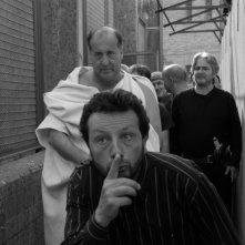 Cesare deve morire: Francesco Carusone, Giovanni Arcuri e Cosimo Rega in una scena del film