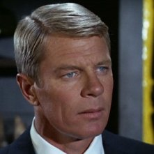Peter Graves in un primo piano di Missione impossibile