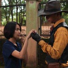 Postcards From The Zoo: Ladya Cheryl e Nicholas Saputra in una scena del film