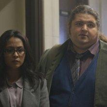 Alcatraz: Parminder Nagra e Jorge Garcia nell'episodio Kit Nelson