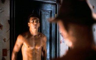 Nightmare 2: la rivincita - Robert Rusler in una sequenza del film