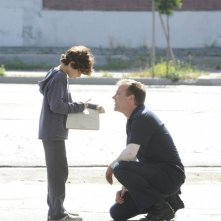 Touch: Kiefer Sutherland e David Mazouz in una scena del pilot della serie