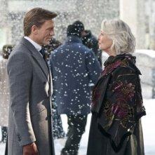 Dream House: Jane Alexander con Daniel Craig sotto la neve in una scena del film