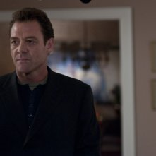 Marton Csokas in una scena del thriller Dream House