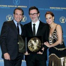 DGA 2012: il vincitore Michel Hazanavicius posa con Jean Dujardin e Bérenice Béjo