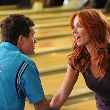 Dylan Walsh e Poppy Montgomery nell'episodio With Honor di Unforgettable