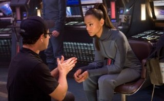 J.J. Abrams e Zoe Saldana sul set di Star Trek 2