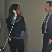 Unforgettable: Dylan Walsh e Poppy Montgomery nell'episodio Road Block