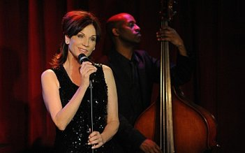 Unforgettable: Marilu Henner in una scena dell'episodio Golden Bird