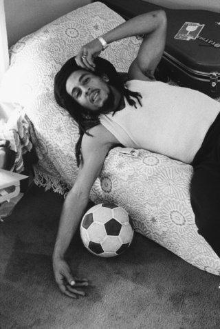 Marley: Bob Marley in un momento di relax in una scena del documentario