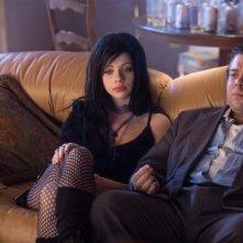 Dan Fogler insieme a Michelle Trachtenberg nella commedia Take Me Home Tonight
