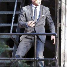 Daniel Craig in azione sul set di Skyfall