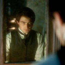Daniel Radcliffe allo specchio in The Woman in Black