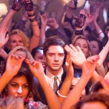Take Me Home Tonight: uno sconsolato Topher Grace in una scena del film