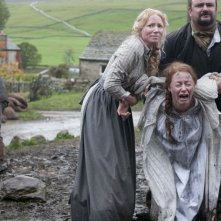 The Woman in Black: Mary Stockley, Victor McGuire e Cathy Sara in una drammatica scena del film