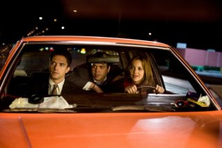 Topher Grace, Dan Fogler e Anna Faris in una divertente scena di Take Me Home Tonight
