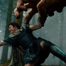 Wrath of the Titans: Sam Worthington in una concitata scena del film