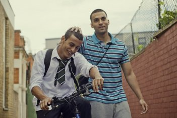 Fady Elsayed e James Floyd in My Brother the Devil