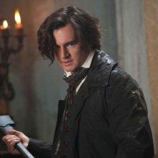 Benjamin Walker nei panni di Abraham Lincoln in una scena de La leggenda del cacciatore di vampiri