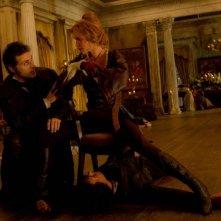 Rufus Sewell con Erin Wasson in una scena del film La leggenda del cacciatore di vampiri