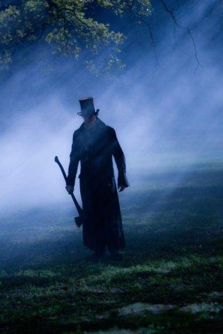 Una nuova immagine tratta dal film La leggenda del cacciatore di vampiri