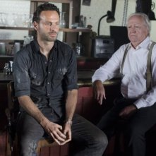 The Walking Dead: Andrew Lincoln e Scott Wilson in una scena dell'episodio Nebraska