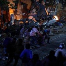 Una spettacolare sequenza di Aftershock vista dal set