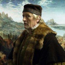 I colori della passione: Rutger Hauer, nel ruolo del maestro fiammingo Pieter Bruegel, in una scena del film