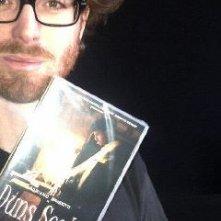 Adriano Braidotti con l'ultima copia di Duns Scoto in vendita a Trieste.