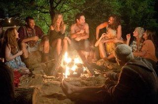 Jennifer Aniston con Justin Theroux e Paul Rudd in Nudi e Felici, commedia del 2012