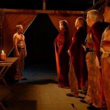 Cesare deve morire: Salvatore Striano in una scena di gruppo del film