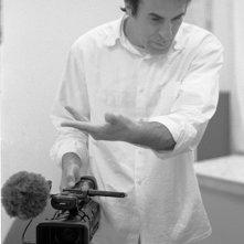 Il regista Enrico Pitzianti sul set del film Roba da matti