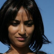 Là-bas: Esther Elisha è Suad in una scena del film