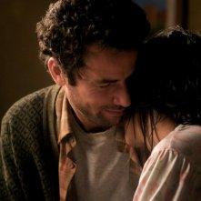 La sorgente dell'amore: Leïla Bekhti insieme a Saleh Bakri in una scena del film