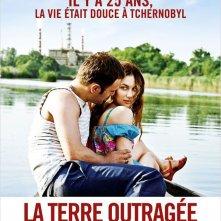 La terre outragée: la locandina del film