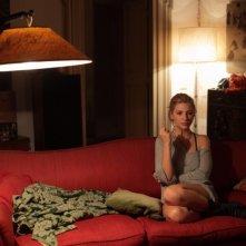 Miriam Giovanelli assorta nei suoi pensieri in una scena del film Gli sfiorati