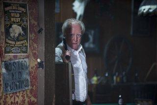 The Walking Dead: uno Scott Wilson pistolero nell'episodio Grilletto facile