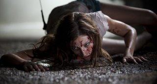 Paranormal Xperience 3D: Úrsula Corberó in un'inquietante scena del film