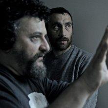 I registi Marco e Antonio Manetti sul set de L'arrivo di Wang